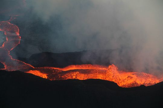 Éruption en Islande (à voir de nuit) ... + vidéo impressionnante ! Flug-18112014_mynd-6